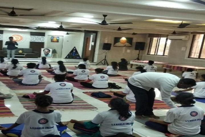 L S Raheja College Of Arts and Commerce-Yoga