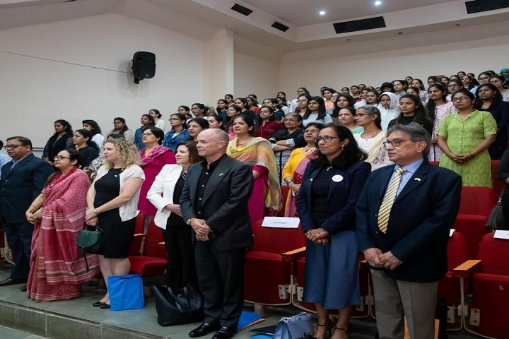 Sir Vithaldas Thackersey Junior College-Auditorium