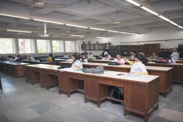 Sir Vithaldas Thackersey Junior College-Classroom