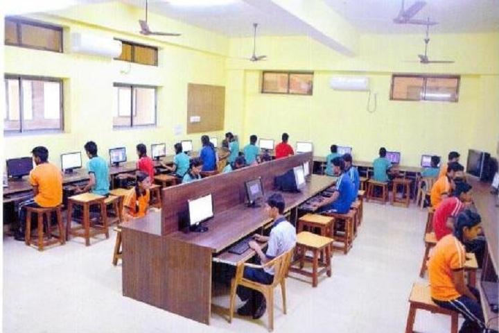 Shri Gujrati English Medium Higher Secondary School-Computer Lab