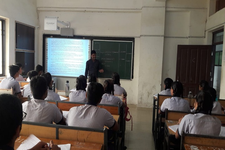 Shri Gujrati English Medium Higher Secondary School-Smart Class