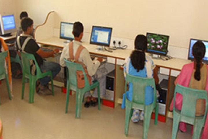 Venutai Chavan College-IT Lab