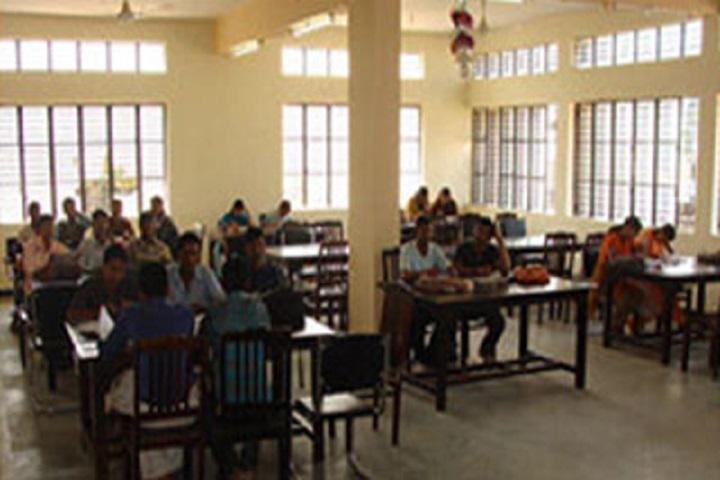Venutai Chavan College-Reading Room