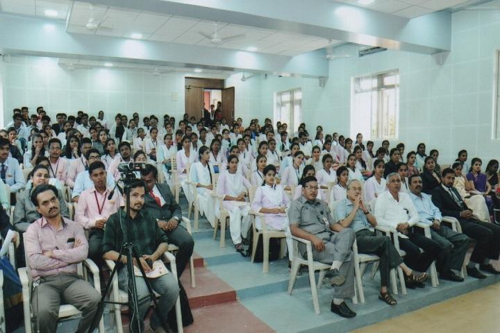 Dhananjayrao Gadgil College of Commerce-Auditorium