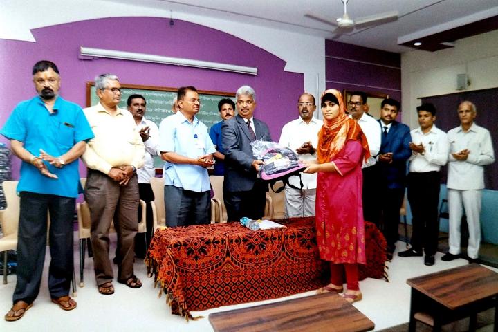 Smt Mathubai Garware Kanya Mahavidyalaya-Prize Distribution