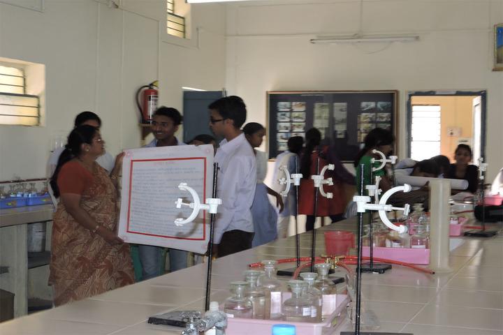Matoshree Vimalabai Deshmukh Junior College-Chemistry Lab