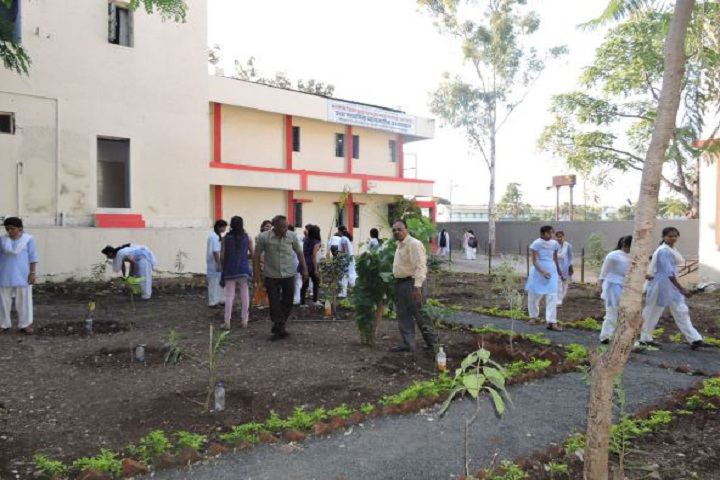 Matoshree Vimalabai Deshmukh Junior College - College Building