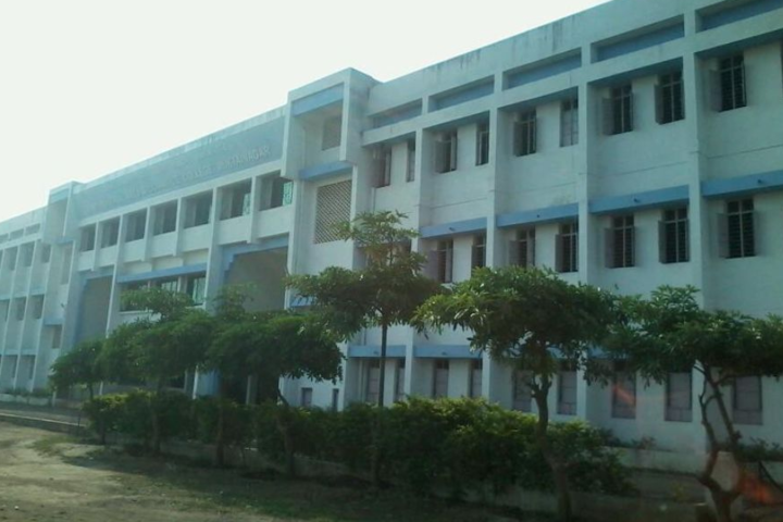 Sant Muktabai Arts and Commerce College-Campus View