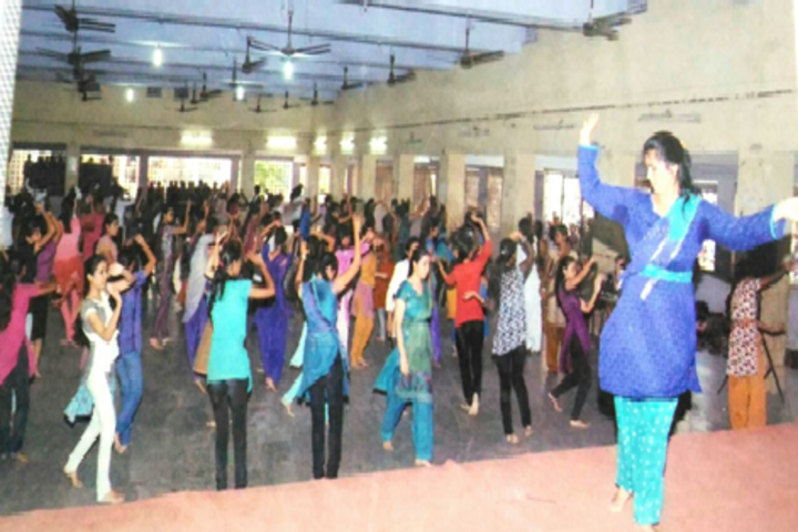 Dr Annasaheb G D Bendale Mahila Mahavidyalaya-Dance Training