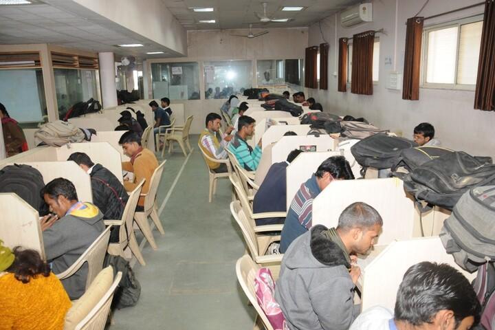 Dr Annasaheb G D Bendale Mahila Mahavidyalaya-Exam View