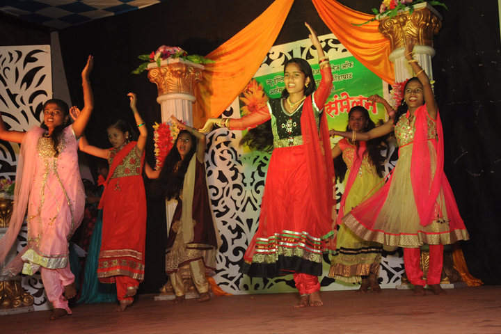 New English School and Junior College of Arts Commerce-Dance Performance