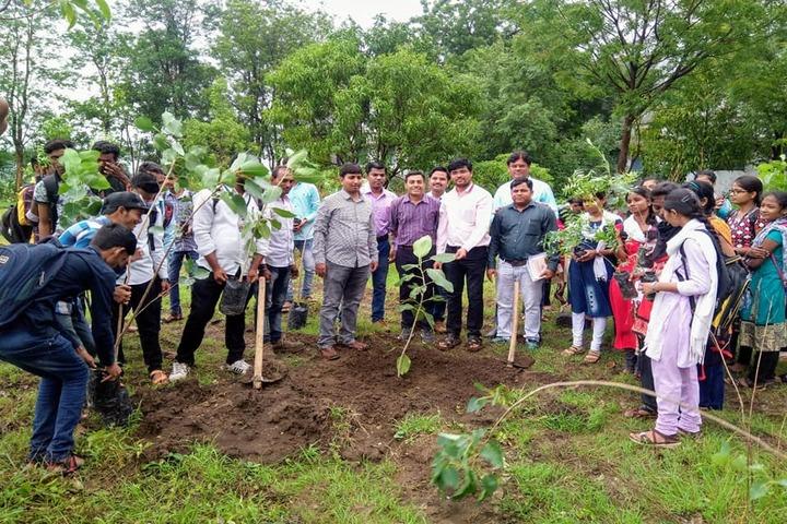 Digambarrao Bindu Arts and Commerce College-Tree Plantation