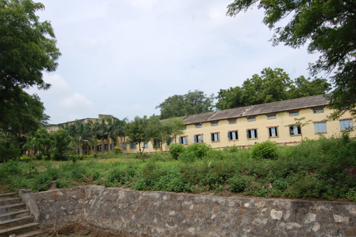 N E S Science College-Campus View