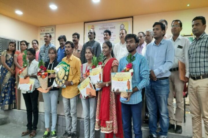 N E S Science College-Prize Distribution