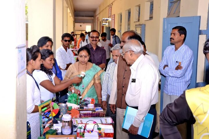 N E S Science College-Science Exhibition