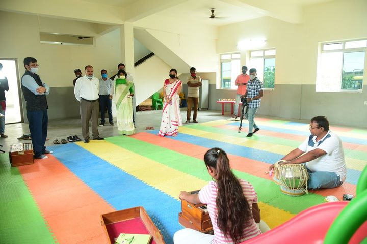 Creative Minds International School - music room