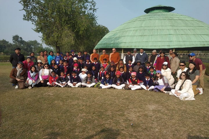 Hirawati Senior Secondary - Group Photo