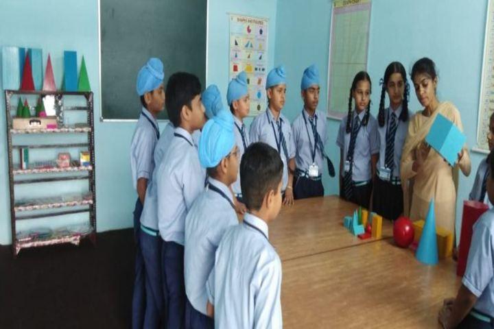 Dashmesh Heritage Public school-Maths Lab