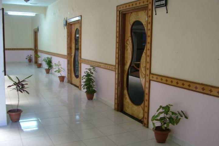 BAPS Swaminarayan Vidyamandir-Corridor