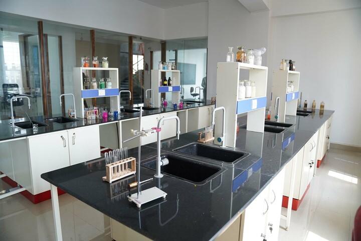 Bombay Presidency International School-Chemistry Lab