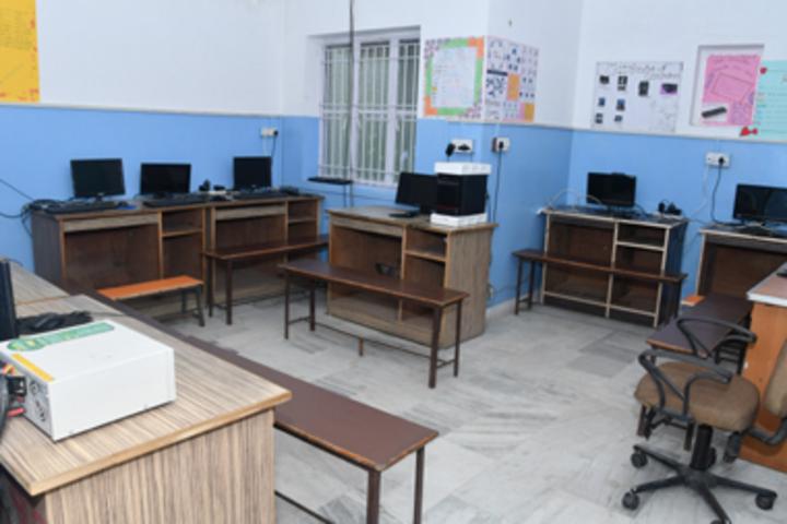 Rosebud School-Computer Lab