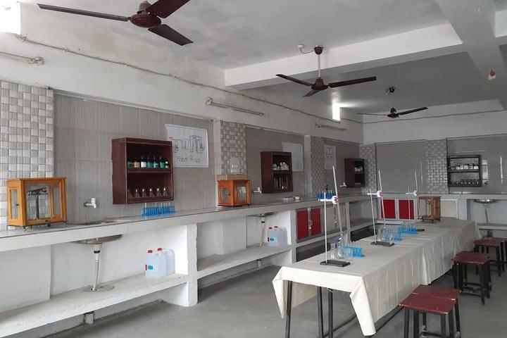 A M Oxford Public School-Chemistry Lab