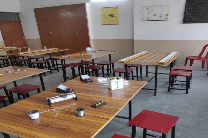 A M Oxford Public School-Physics Lab