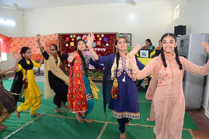 Mata Rukmani Rai Arya Middle School-Dance Activity