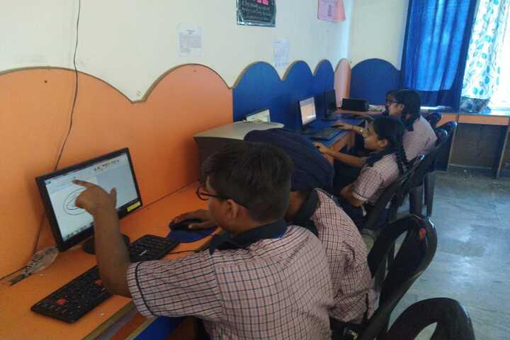 Shri Guru Harkrishan Convent School-Computer Lab