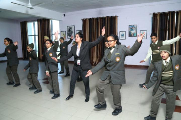 The Aryan International School-Dance Activity