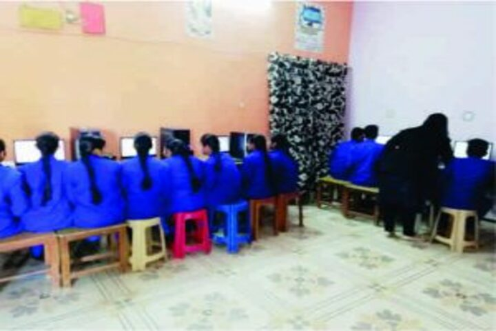 Swami Gurcharan Dass Sanatan Dharam Senior Secondary School-Computer Lab