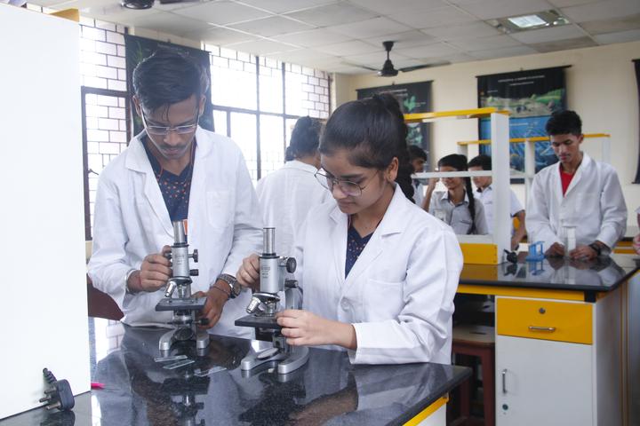 Abhinav Public School-Biology Lab