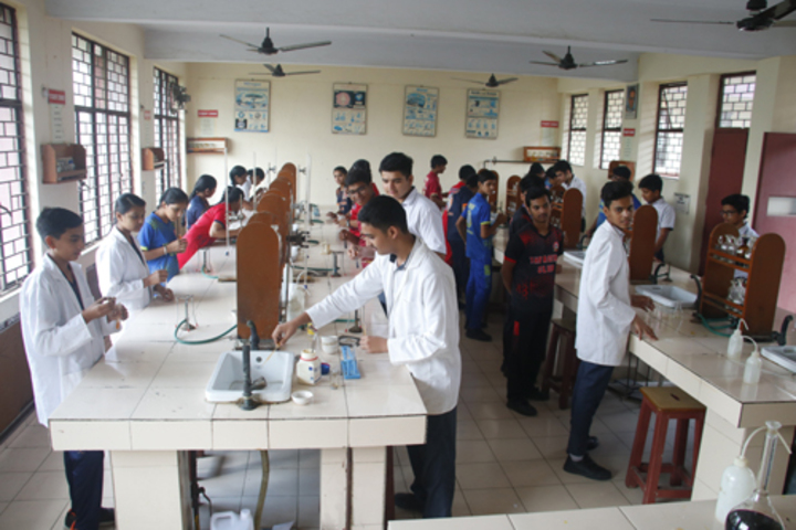 Abhinav Public School-Chemistry Lab