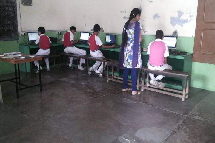 Aneja City Heart School-Computer Labs