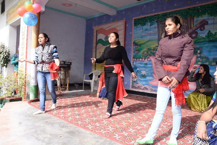 Adarsh Gyan Sarover Balika Vidyalaya-Dance Performance