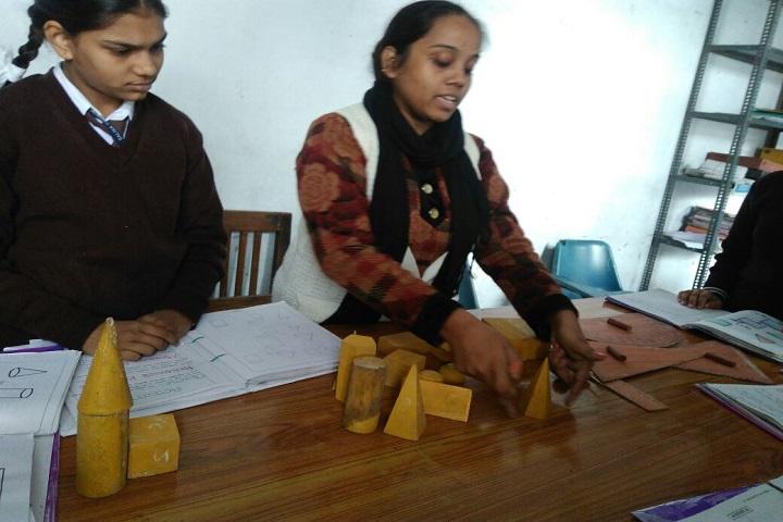 Adarsh Gyan Sarover Balika Vidyalaya-Maths Lab Image 2