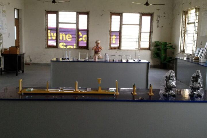 Divine Convent School-Labs