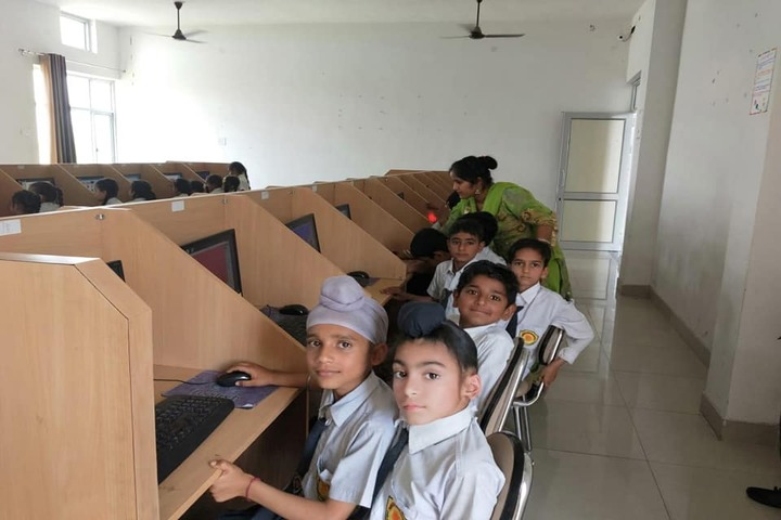 Siwan Public School-Computer Lab
