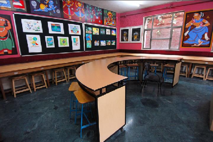 Ahlcon International School-Arts-Room