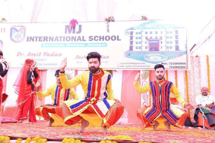 MJ International School-Dance