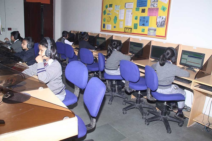 Amity International School-IT-Lab