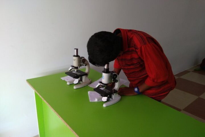 Shree Gurukulam Public School-Science Lab
