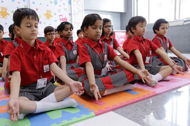 SVKM School-Yoga