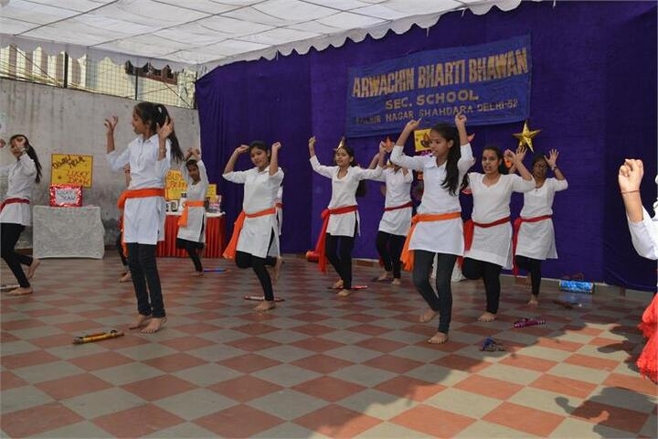 Arwachin Bharti Bhavan Senior Secondary School-Dance