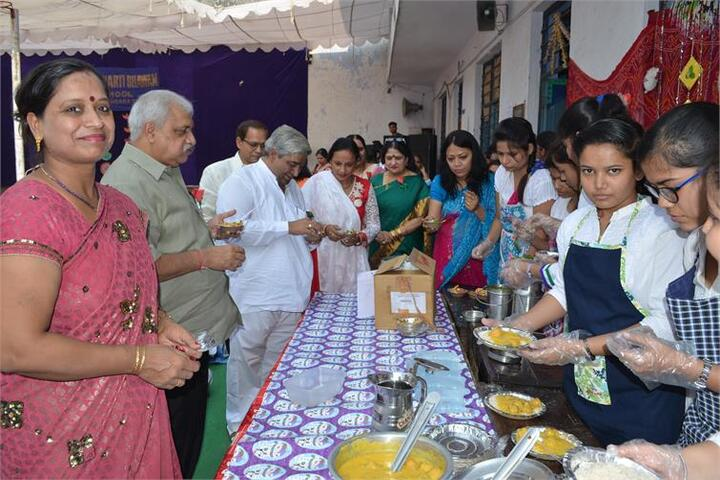 Arwachin Bharti Bhavan Senior Secondary School-Food Fest