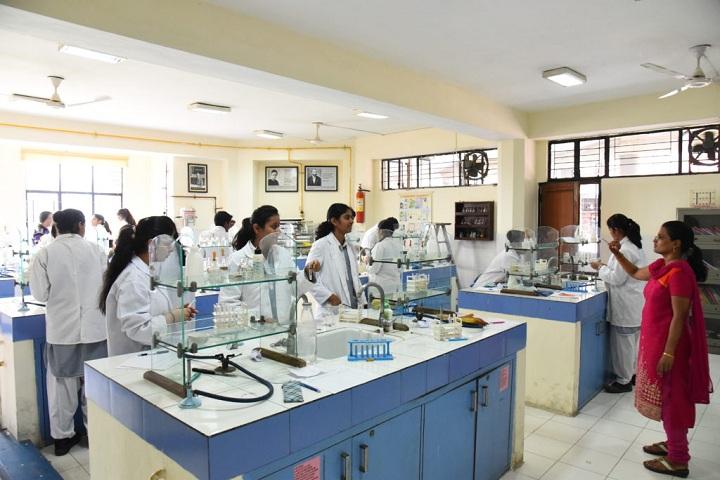 Bal Bharati Public School-Chemistry Lab