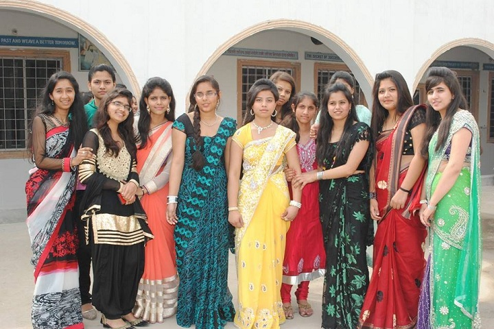 CR Oasis Convent School-Students
