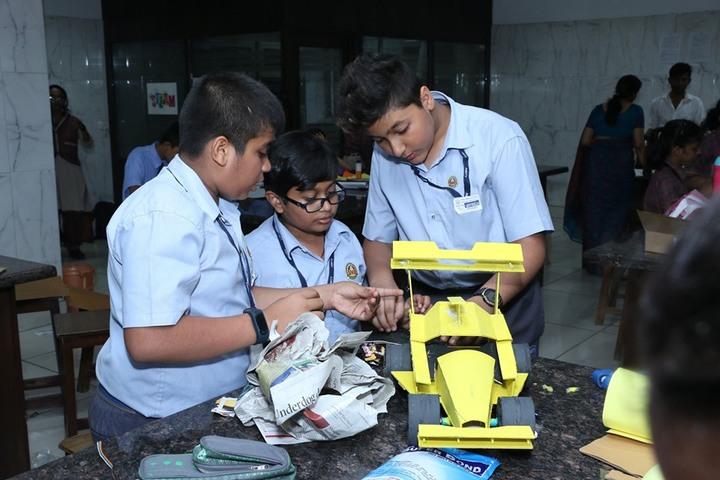 D A V Public School-Creative Minds