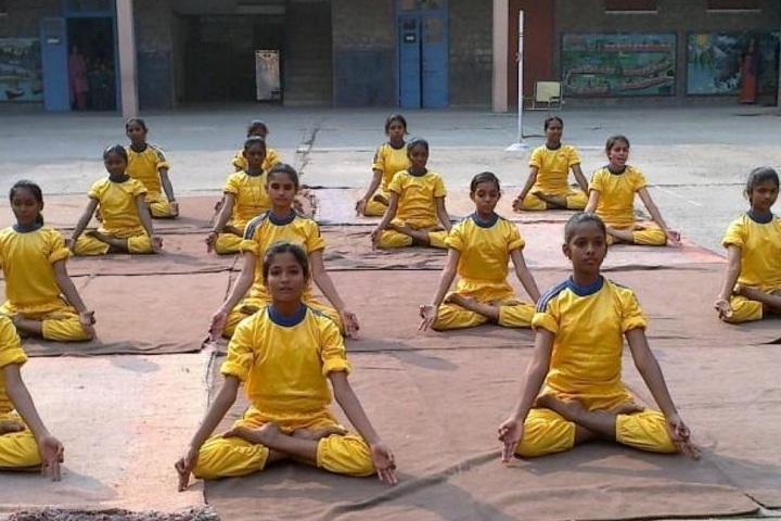 D T E A Senior Secondary School-Yoga Class