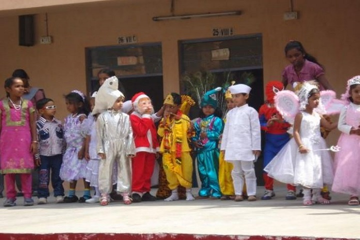 D T E A Senior Secondary School-Fancy Dress